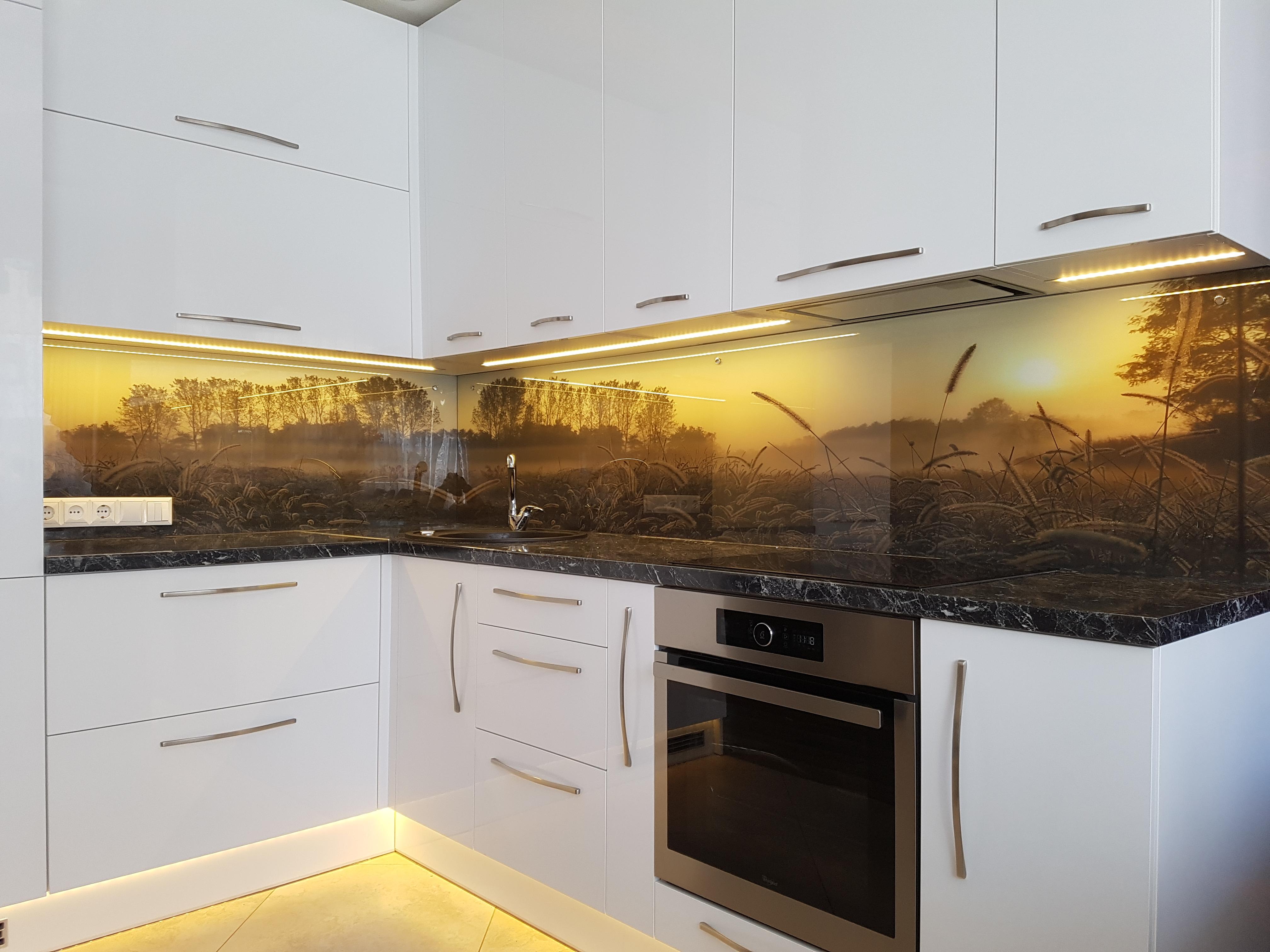 virtuvinis-stiklas-091-300x225