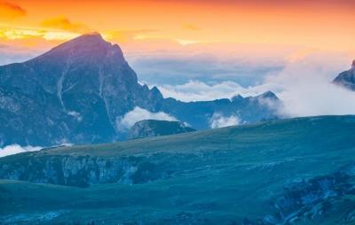 rgn-5359 2540x4000 kalnai gory dangus nebo