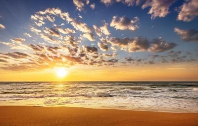 rgn-5468 2540x4000 dangus nebo debesys tuchi saule sonce saulelidis zakat vanduo voda jura more