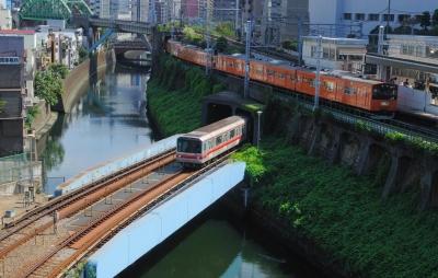 wps-1000-2373 tap 2540x4000 poezt traukinys gorad miestas tiltas most vanduo voda